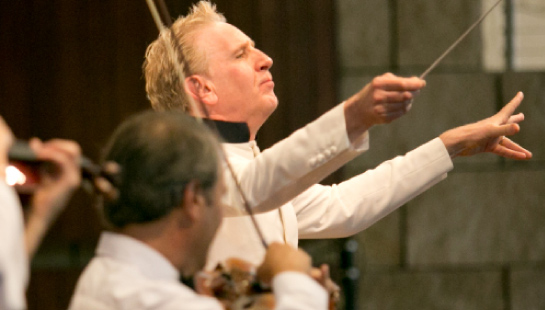 Alasdair Neale conducting